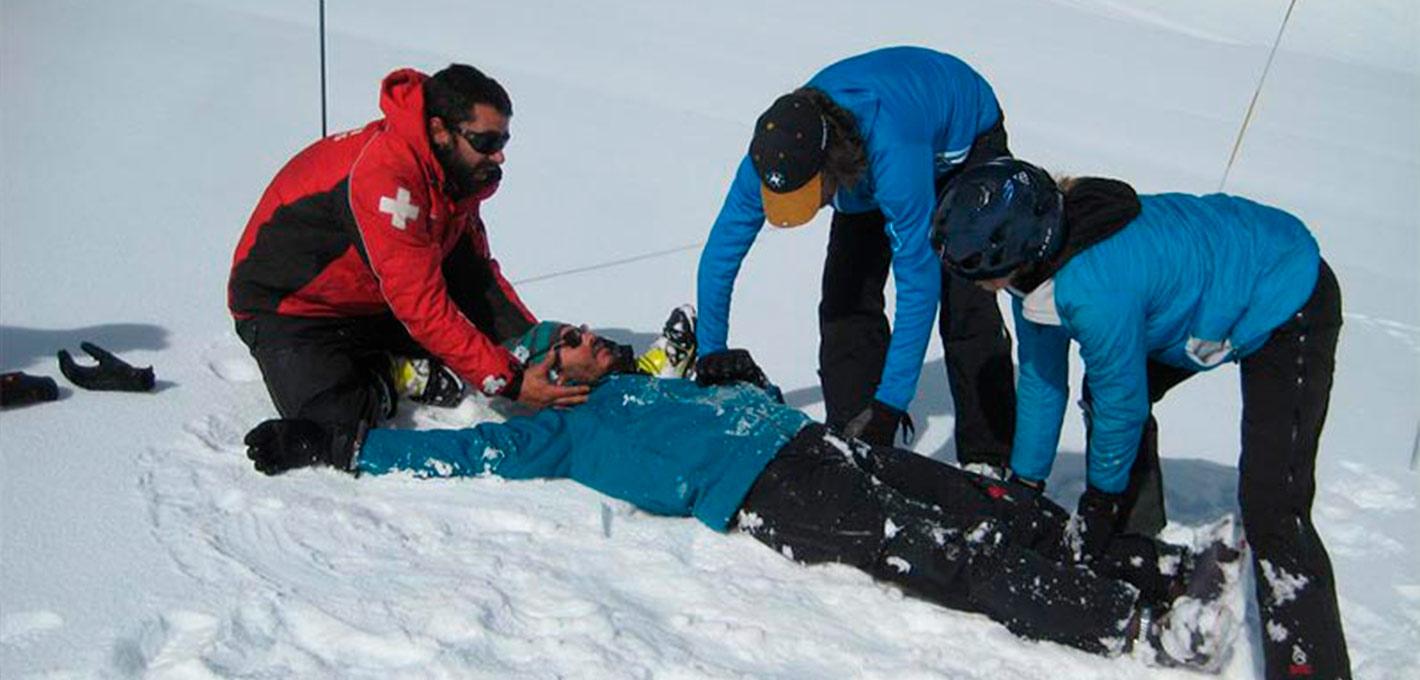 Curso de Primeros Auxilios en Montaña Invernal